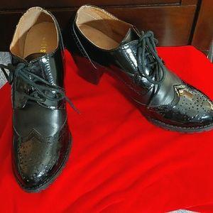 Black patent leather oxford heels